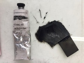Squeeze the ink onto the glass